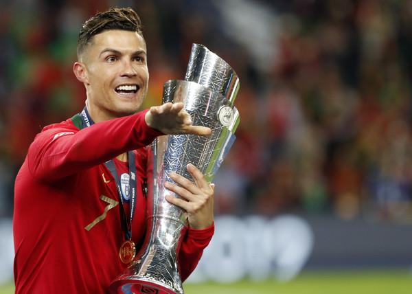 ▲▼ 葡萄牙足球明星C羅(Cristiano Ronaldo)與佩佩(Pepe)。(圖/達志影像/美聯社)