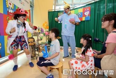 紅鼻子醫生闢「歡樂門診」 除孩童看病恐懼
