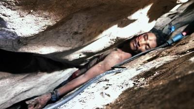 採蝙蝠糞便墜洞穴 衰男卡岩縫4天