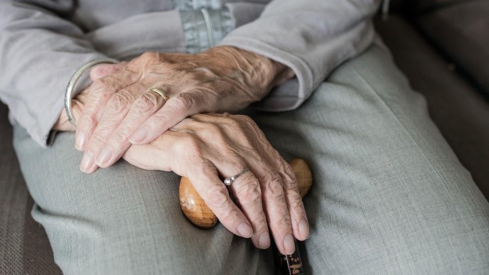 ▲▼ 外婆,婆婆,奶奶,阿嬤。(圖/取自免費圖庫Pixabay)