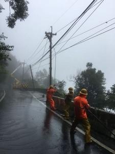 台電工程人員進入山區 搶修電力