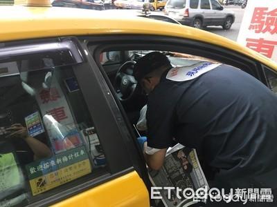 國道匪徒行搶後直接「躺路肩」 竟成功搭警車脫身