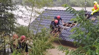 利奇馬颱風釀32死!消防員「水中吞包子」