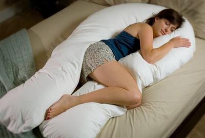 感受巨大雙手環抱的「身體枕」❤