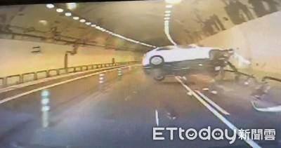 右側硬超車撞護欄!大湖隧道翻車驚悚曝光