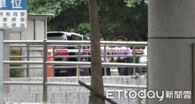 韓國瑜被爆只拼大位上班卻賴在家
