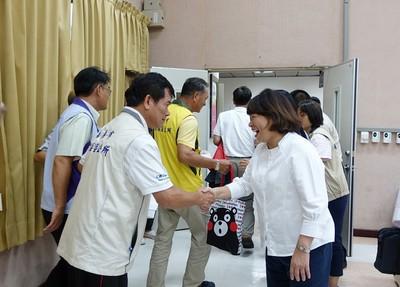黃敏惠出席里長座談 恢復1999提升民眾服務
