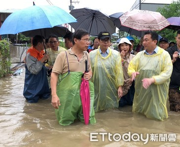 豪大雨襲南部...陳其邁13日取消行程直奔台南、高雄勘災