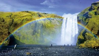 冰島必去的10個理由! 終年不消的「彩虹瀑布」還有最美味的自來水