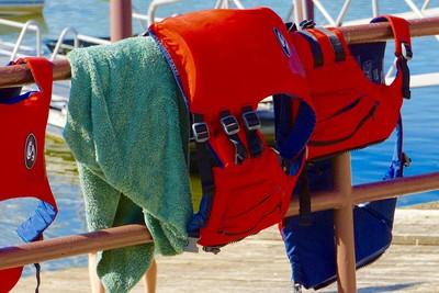 颱風前琵琶湖玩跳水 2大學生溺斃