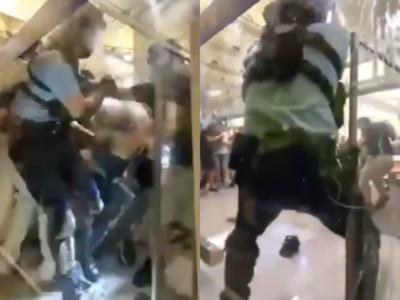 首次拔槍指向示威者 港警回應了