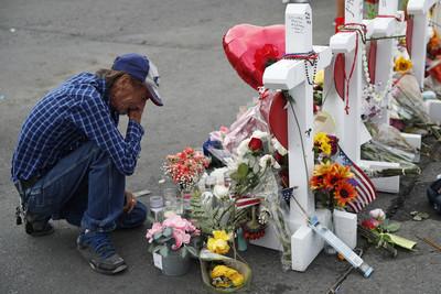 德州槍擊案63歲妻子亡 寂寞夫邀大家參加喪禮