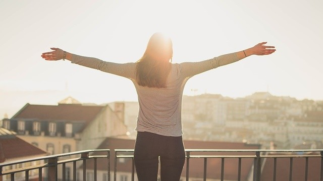 ▲▼陽台,深呼吸,放鬆,壓力,舒暢。(圖/pixabay)