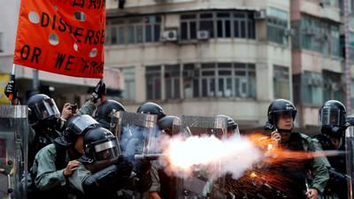 肉身阻擋催淚彈!香港中學女「雙眼微血管爆裂」:想為這個家做些事
