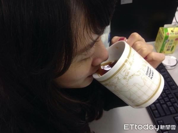 ▲▼喝咖啡。(圖/記者李佳蓉攝)