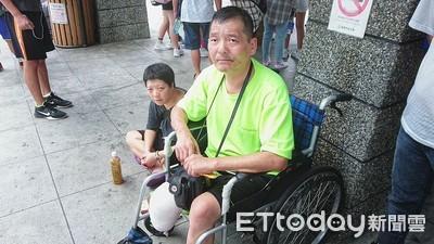 基隆輪椅男行乞 被男搶40元逃逸
