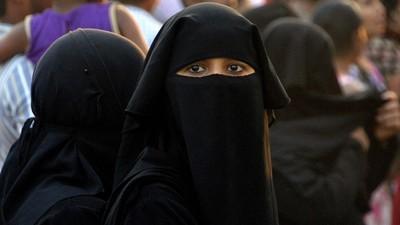 15歲加入伊斯蘭國...現在後悔了!少女求英國政府接母女回家遭拒