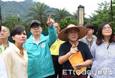 陳其邁南下高雄勘災呼籲市民「務必留意豪雨訊息」