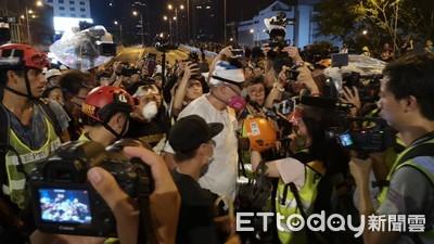 評香港「暴力退潮」!環時:武警集結深圳是主因