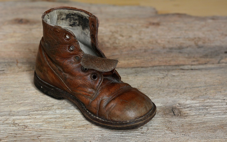 ▲舊鞋,皮鞋。(圖/取自免費圖庫Pixabay)