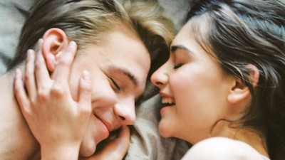 情侶分開睡感情更甜蜜! 心理學家:睡不好影響心情 隔天起床吵更兇