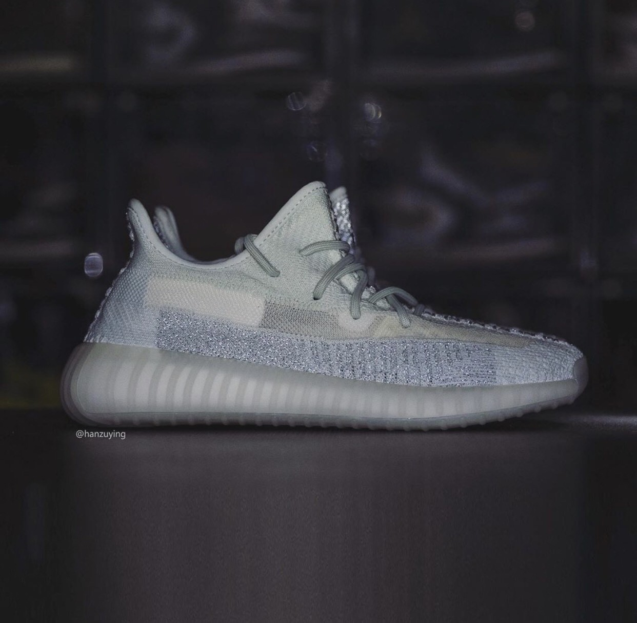 ▲9月發售的Yeezy。(圖/翻攝自IG@yeezyseason2、@hanzuying、Yeezy Mafia、Sneakernews)