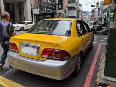 自用車「上漆」偽裝小黃 5駕駛各罰10萬