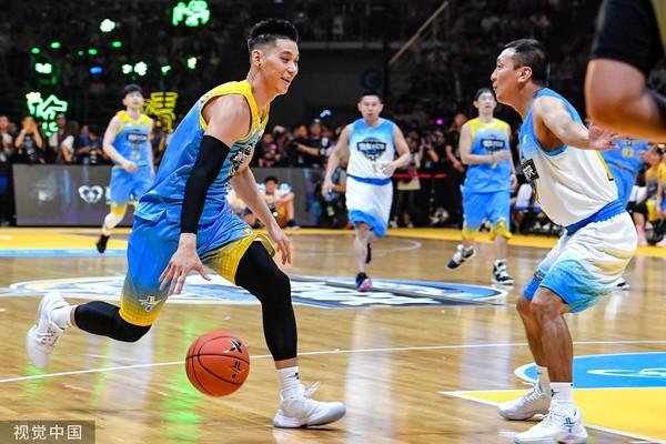 【影片】誰會是娛樂圈里籃球打得最好的藝人?林書豪:毫不猶豫,會選擇他!