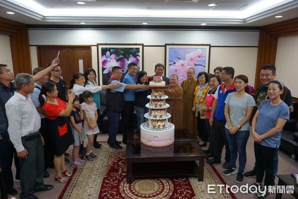 台南市議長郭信良歡度生日 祈願持續為大台南市民謀取福祉