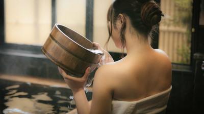 浴場提供望遠鏡!明治維新前可公然裸體 「暴牙龜」成偷窺代名詞
