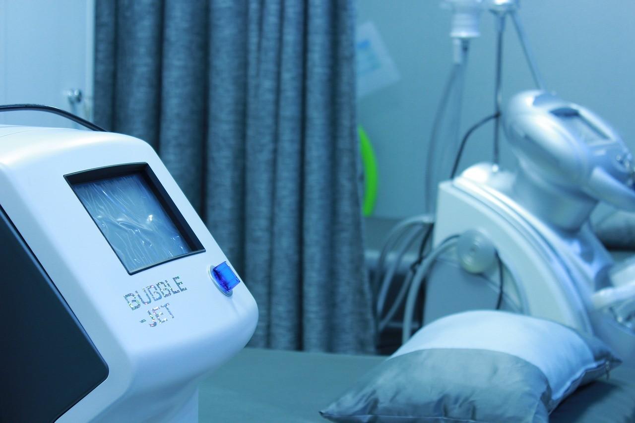 ▲▼醫生,醫院,急診,兒童,聽診器,加護病房。(圖/翻攝自pixabay)
