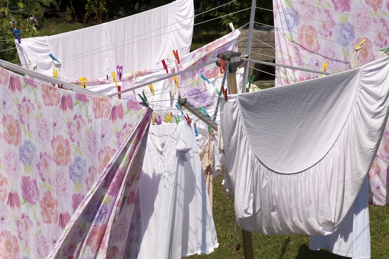 ▲▼棉被,曬棉被,床單。(圖/翻攝自pixabay)