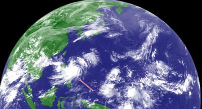 白鹿颱風「霸佔北半球視線」 肥美雲系照夾驚人魚兩