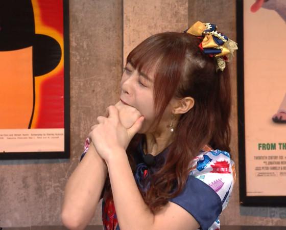 ▲ AKB48 Team TP團員詩雅表演吞拳才藝。(圖/MOMOTV提供)