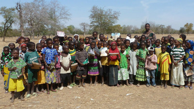 生理期只能用獸皮!非洲貧民少女被迫賣肉換衛生棉 台志工一項計畫終結悲劇