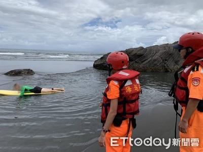 颱風來海巡旋緊發條 勸離海邊不要命遊客
