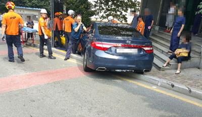 孕婦遭7旬翁開車撞倒 雙腿恐截肢