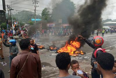 示威不斷!印尼官方限制巴布亞網路