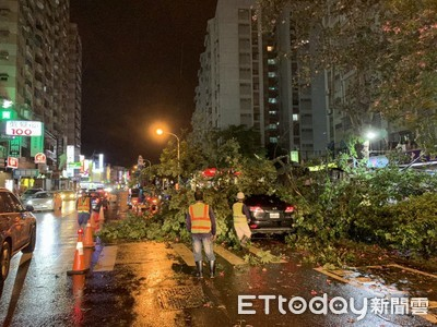 白鹿颱風來襲六分局投入救災工作