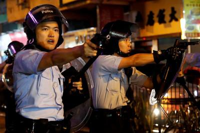 港警:上週末暴力行為再升級共拘捕86人