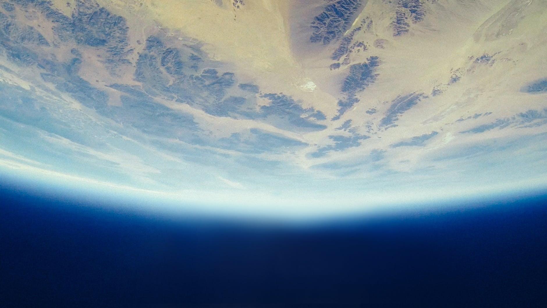 差一點世界末日 太空盲點小行星直衝地球 發現時只剩幾小時
