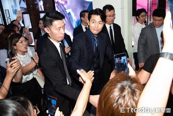 ▲▼韓星鄭雨盛出席浪琴表台北101名品店開幕。(圖/記者季相儒攝)
