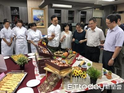 中華醫大失業者職訓「烘焙食品訓練班」結訓展