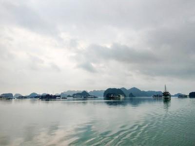 躺床就能遍覽「墨綠珍珠群島」海景!18K坐郵輪玩透世界遺產