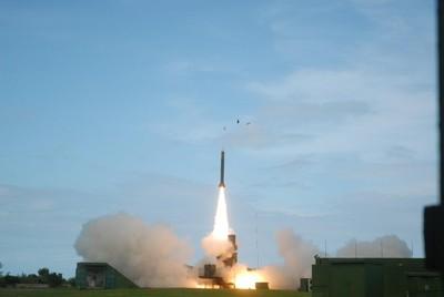 海弓三明年測試 75歲高雄艦整合垂直發射系統