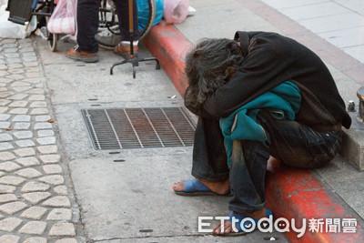 遊民拿兩包麵少付10元「明天再給妳」 台南老闆娘超火
