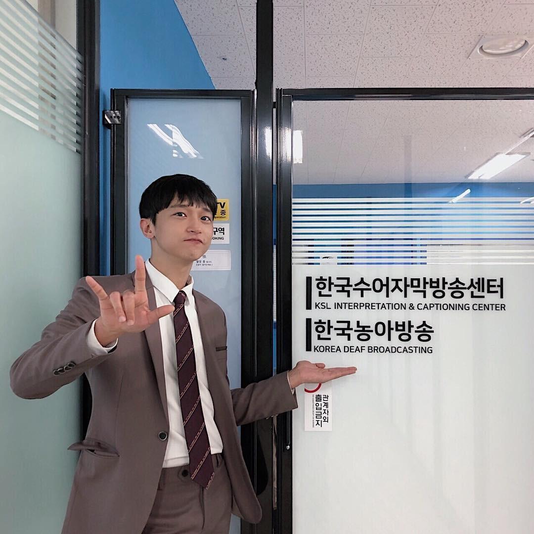 ▲▼南韓聾人演員金利厚(圖/翻攝自Instagram@lihoo71m)