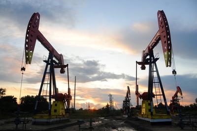 能源供應吃緊、北半球氣溫驟降 布蘭特原油期貨週二站上85美元