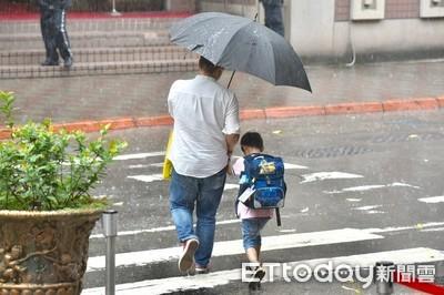 雨勢加劇!屏東升級豪雨特報