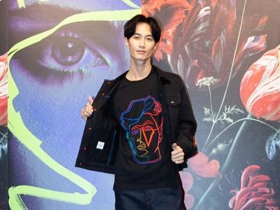 李英宏愛上與他神似的臉譜T恤